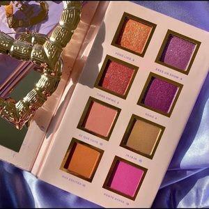 Alamar Cosmetics Spanglish eyeshadow pallet